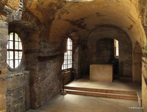 15) Kostel - presbytář